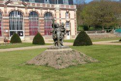 """Statue """"Groupe de Versailles"""" (1/4) – Château des Vaux – Pontgouin"""