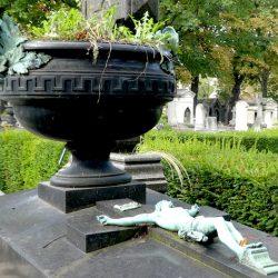 Ornements de sépulture (décors) – Division 85 – Cimetière du Père-Lachaise – Paris (75020)