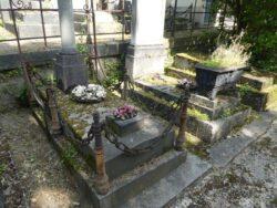 Entourages de tombes (2) – Division 56 – Cimetière du Père Lachaise – Paris (75020)