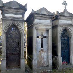 Portes de chapelles sépulcrales (1) – Division 81 – Cimetière du Père Lachaise – Paris (75020)