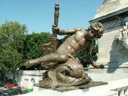 L'enfant au crabe – Pont Alexandre III – Paris (75008)