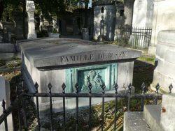 Bas-relief de la sépulture Debussy – Cimetière du Père Lachaise – Paris (75020)