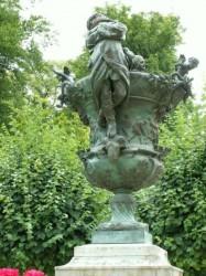 Allégorie de l'hiver – vase – Bourges