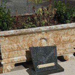 Ornements de sépulture (corbeilles) – Division 85 – Cimetière du Père-Lachaise – Paris (75020)