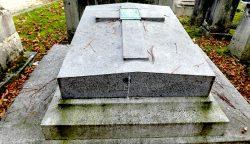 Plaque de la sépulture Aumont – Cimetière du Père Lachaise – Paris (75020)