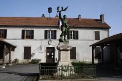 Poilu victorieux – Doulevant le Château