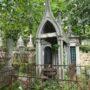Entourages de tombes, croix et corbeille - Division 18 - Cimetière du Père Lachaise - Paris (75020) - Image9