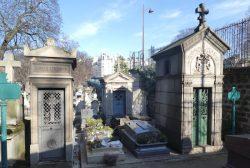 Portes de chapelles sépulcrales des divisions 8 à 16 – Cimetière de Montmartre – Paris (75018)