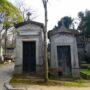 Portes de chapelles sépulcrales et corbeille - Division 55 - Cimetière du Père Lachaise - Paris (75020) - Image8