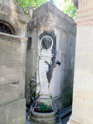 Médaillon d''Alphonse Daudet – Cimetière du Père Lachaise – Paris (75020)