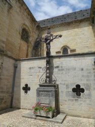 Christ en croix – Salviac