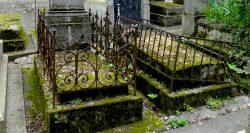 Entourages de tombes (2) – Division 72 – Cimetière du Père Lachaise – Paris (75020)