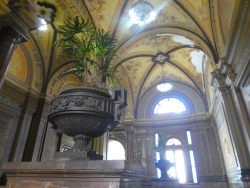 Vases à anses perpendiculaires (2) – Palacio Municipal -La Plata