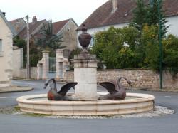 Fontaine aux cygnes – Place des Cygnes – Thervay