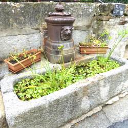 Borne-fontaine – Rue de l'Église – Escoussens