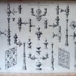 DUC_VO_PL153_F112 – Garnitures de rampe, pilastres et glands