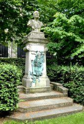Monument à Théodore de Banville – Jardin du Luxembourg – Paris (75006)
