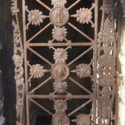 Portes de chapelles sépulcrales (2) – Division 41 – Cimetière du Père Lachaise – Paris (75020)