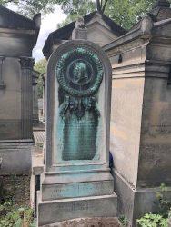 Médaillon de la sépulture Eck – Cimetière du Père Lachaise – Paris (75020)