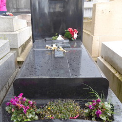 Tombe de la famille Pignol – Cimetière du Père Lachaise – Paris (75020)