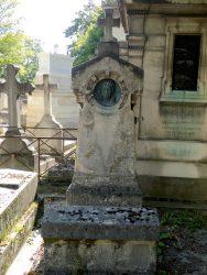 Médaillon de la sépulture Boyer-Pioche – Cimetière du Père Lachaise – Paris (75020)