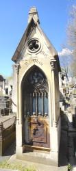 Portes de chapelles sépulcrales – Division 96 (2 -1) – Cimetière du Père Lachaise – Paris (75020)