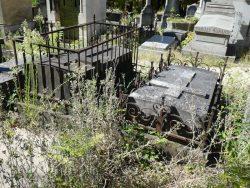 Entourages de tombes – Division 48 – Cimetière du Père Lachaise – Paris (75020)