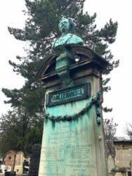 Buste de la sépulture Marescq – Cimetière de Montparnasse – Paris (75014)