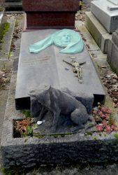Médaillon de la sépulture Jeanne Hulin – Cimetière du Père-Lachaise – Paris (75020)