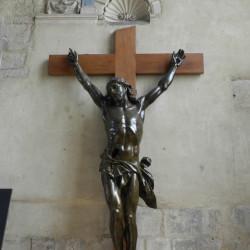 Christ en croix – cathédrale – Le Havre