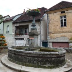 Fontaine – Rue d'Orgemont – Salins-les-Bains