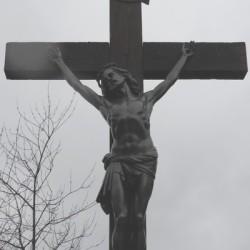 christ en croix et larons Saint-Georges-sur-Cher