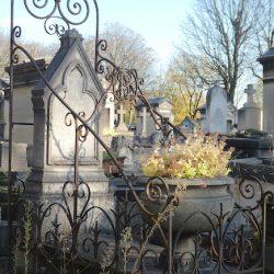 Porte-couronnes – Division 81 – Cimetière du Père Lachaise – Paris (75020)