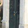 Portes de chapelles sépulcrales - Division 52 - Cimetière du Père Lachaise - Paris (75020) - Image18
