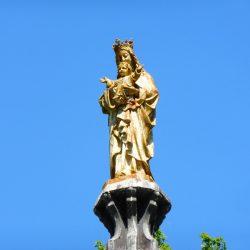 statue notre dame du chene  beaumont-village
