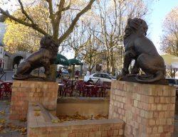 Paire de lions  – Issoudun