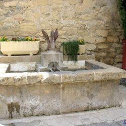 Fontaine au Cygne – Lauris
