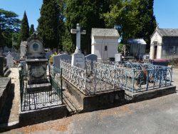 Entourages de tombes – Cimetière de la ville – Cahors