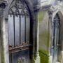 Portes de chapelles sépulcrales (2)  - Division 70 - Cimetière du Père Lachaise - Paris (75020) - Image11