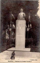 Monument au Docteur Joseph Voisselle – Doullens