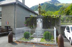 Poilu au repos – Monument aux morts – Guchen