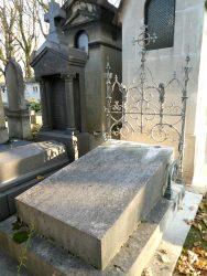 Sépulture de la famille Hennequet – Cimetière du Père Lachaise – Paris (75020)