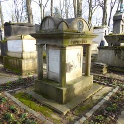 Monument à Parmentier – Cimetière du Père-Lachaise – Paris (75020)