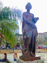 L'Art – Plaza Colón – Córdoba