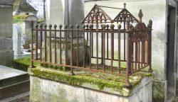 Entourages de tombes – Division 45 – Cimetière du Père-Lachaise – Paris (75020)