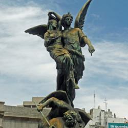 Monument funéraire la Résurrection- Cementerio de la Recoleta – Buenos Aires