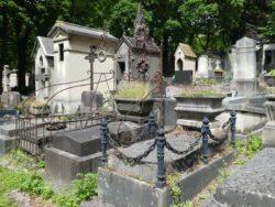 Entourages de tombes – Division 70 – Cimetière du Père Lachaise – Paris (75020)