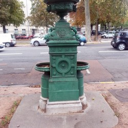 Borne-fontaine (2) – Allées du parc – Dijon