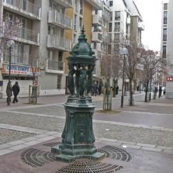 Fontaine Wallace – Rue des Frères-d'Astier-de-la-Vigerie – Paris (75013)