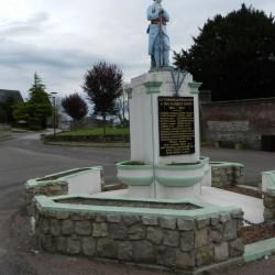 Poilu au repos – Monument aux morts – Friaucourt